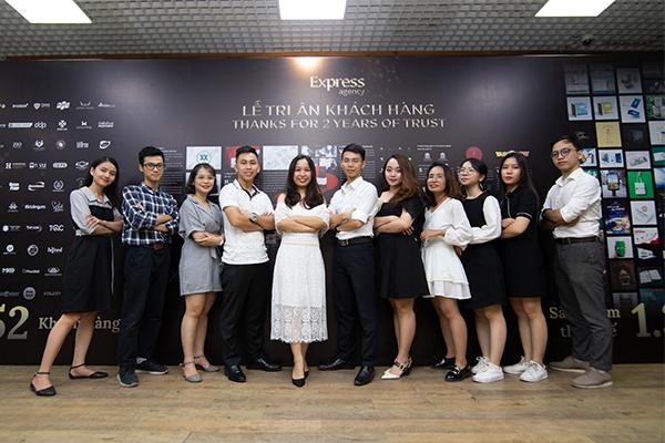 Đội ngũ nhân viên Express Agency